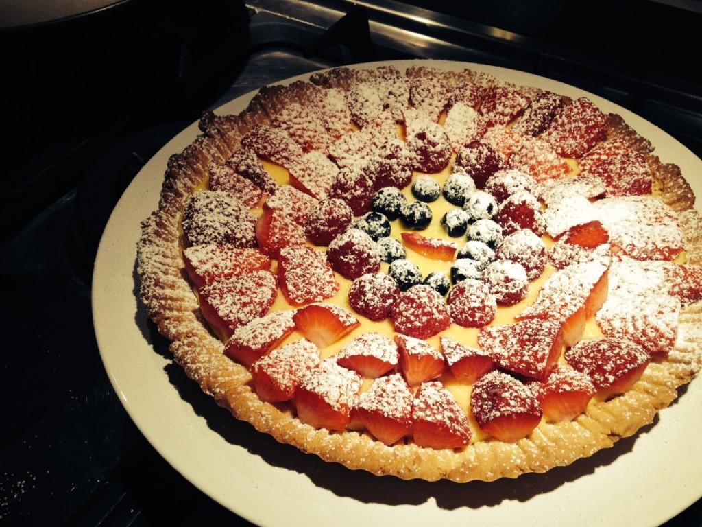 Torta di frutta con crema