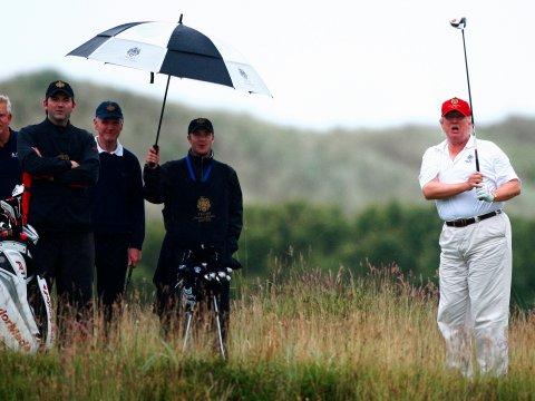 donald-trump-playing-golf